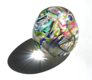 2007-137a multicoloured paperweight - Copy
